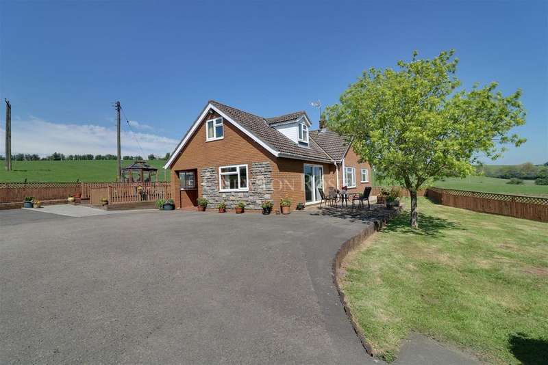 4 Bedrooms Detached House for sale in Croesyceiliog, Cwmbran