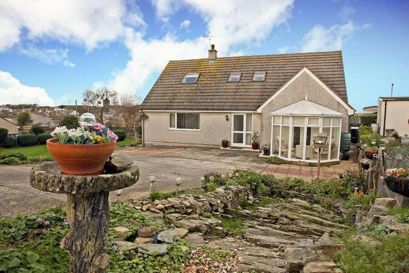 3 Bedrooms Detached Bungalow for sale in Cae Carreg, Amlwch, North Wales