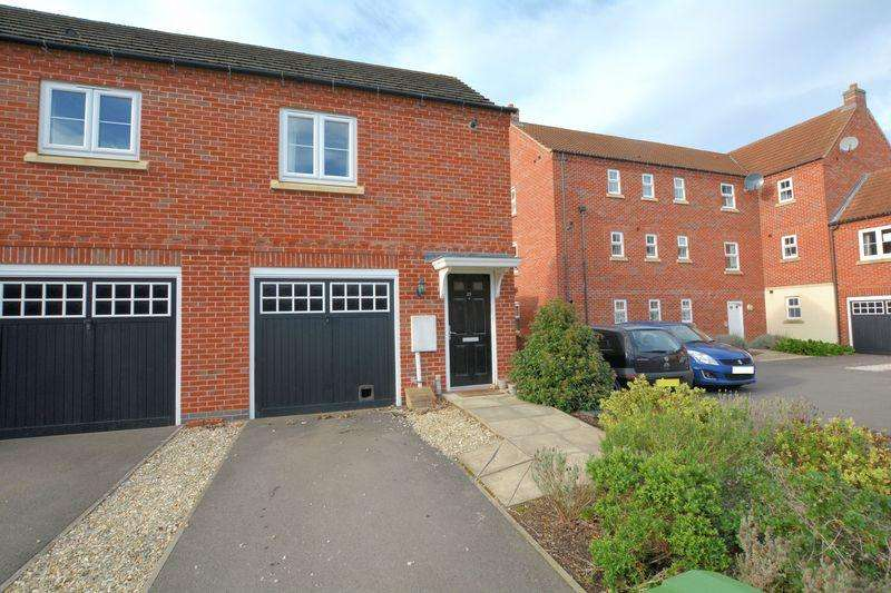 2 Bedrooms Coach House Flat for sale in Moorhen Close, Witham St Hughs, Lincoln