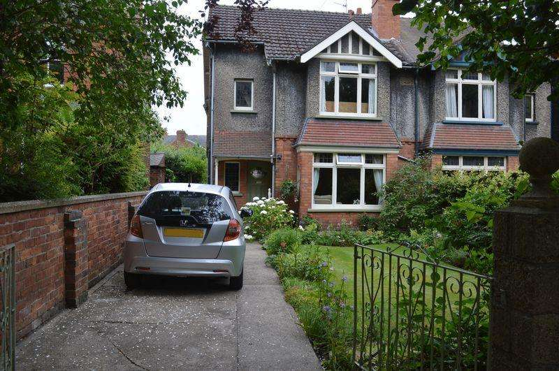 3 Bedrooms Semi Detached House for sale in Hamilton Road, Lincoln