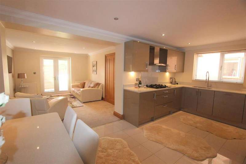 4 Bedrooms Detached House for sale in Milton Street, Darlington