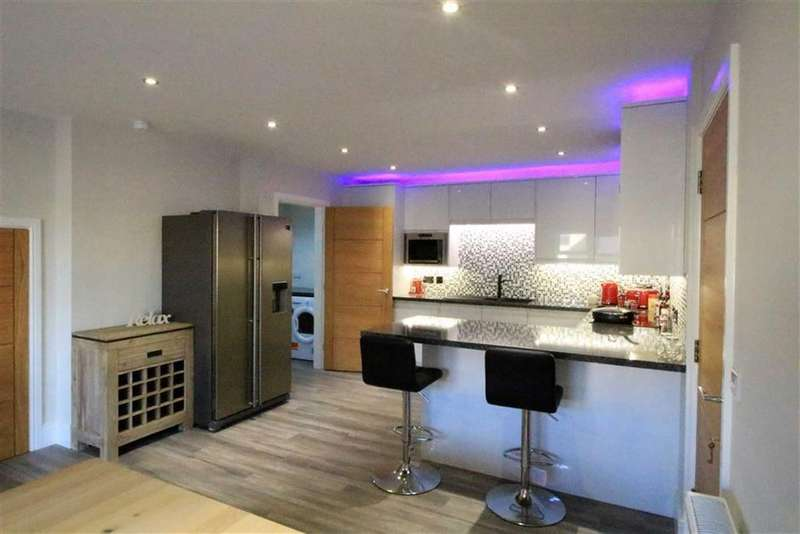 3 Bedrooms Semi Detached House for sale in Off Church Lane, New Mills