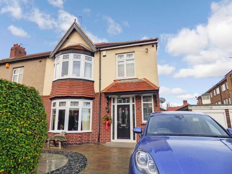 4 Bedrooms Property for sale in Glendale Avenue, Whitley Bay, Tyne and Wear, NE26 1RX