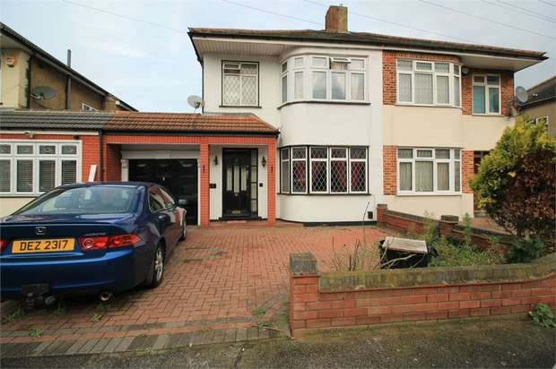 3 Bedrooms Semi Detached House for sale in Ainsley Avenue, Romford, Greater London