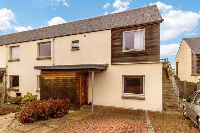 2 Bedrooms Flat for sale in Canal Court, Threemiletown, Linlithgow