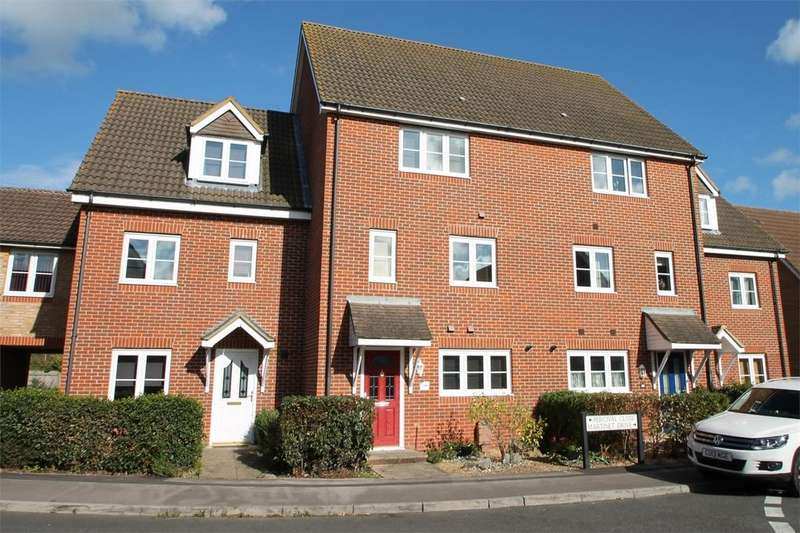 4 Bedrooms Town House for sale in Percival Close, Lee-on-the-Solent, Hampshire