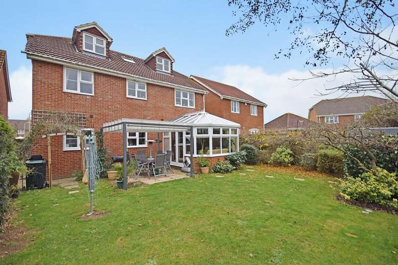 6 Bedrooms Detached House for sale in Haywain Close, Kingsnorth