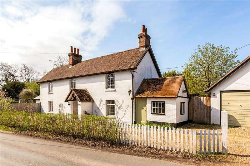 4 Bedrooms Detached House for sale in Silchester Road, Little London, Tadley, Hampshire, RG26