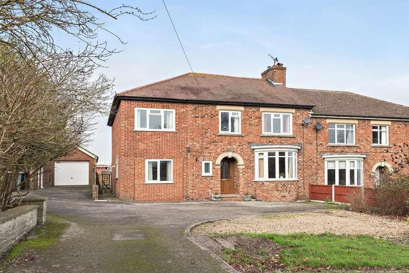 5 Bedrooms Semi Detached House for sale in Langton Hill, Horncastle, Lincs, LN9 5AH
