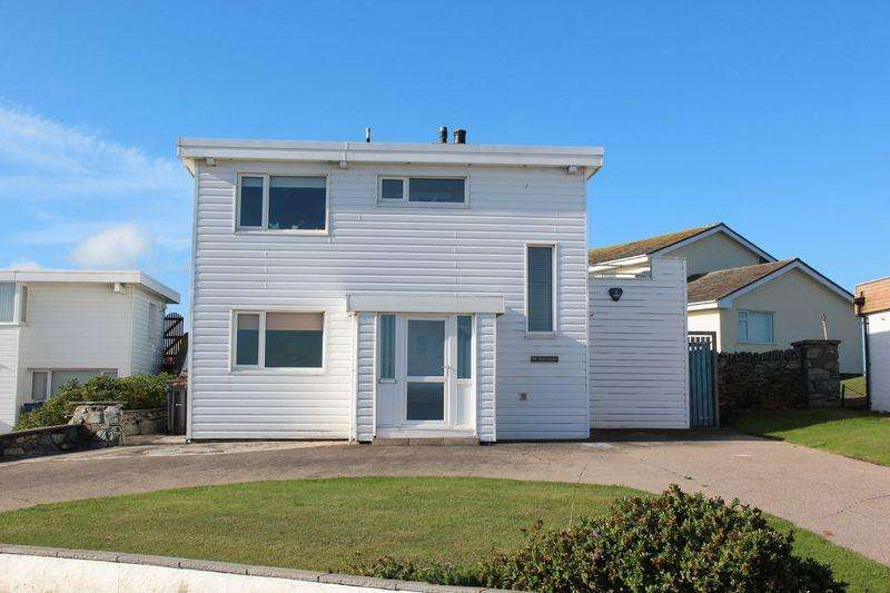 4 Bedrooms Detached House for sale in Ravenspoint, Trearddur Bay