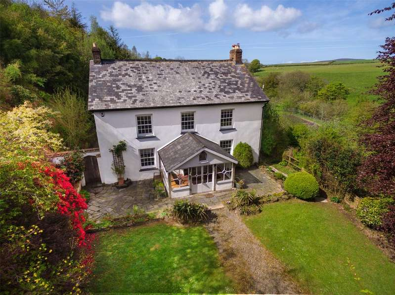 5 Bedrooms Detached House for sale in East Down, Barnstaple