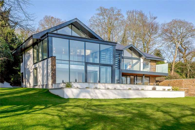 5 Bedrooms Detached House for sale in Windmill Lane, Ringwood, Hampshire, BH24