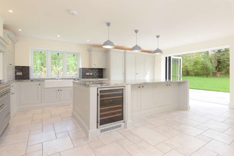 5 Bedrooms Detached House for sale in Upper Hardres, Canterbury, CT4
