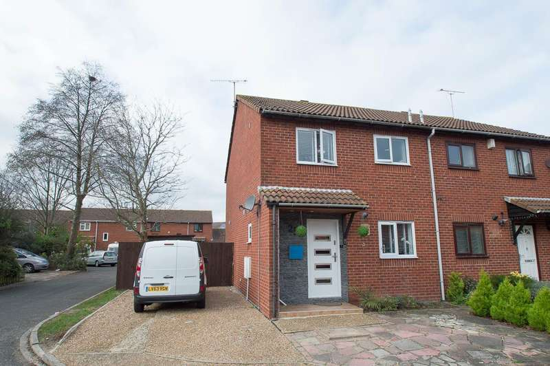 3 Bedrooms Semi Detached House for sale in Brading Close, Eastbourne