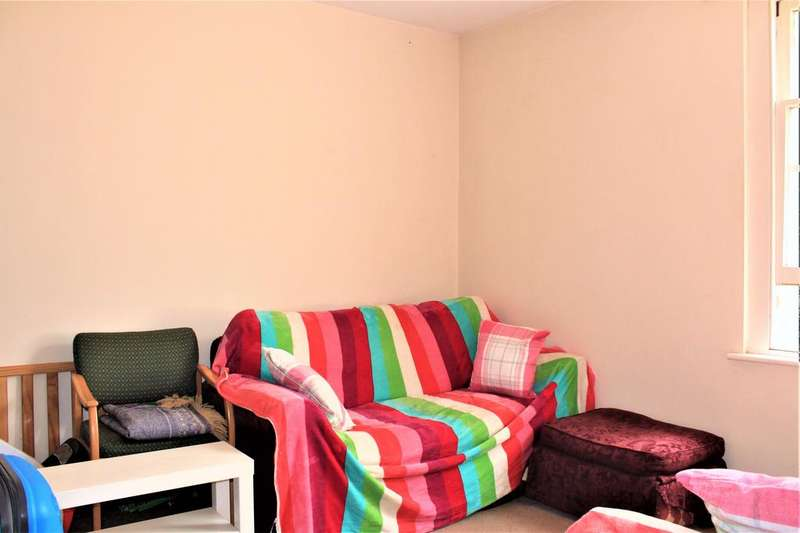 2 Bedrooms Flat for sale in Ashburnham Road, Bedford MK40