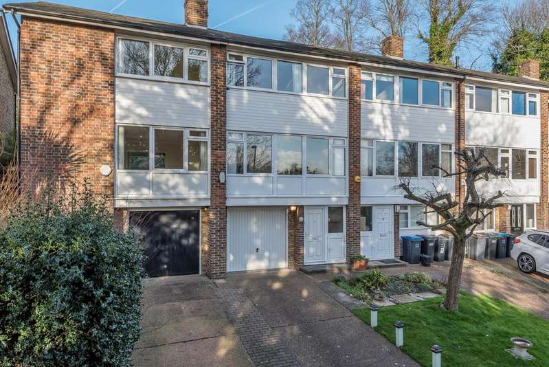 3 Bedrooms Town House for sale in Shelford Rise London SE19