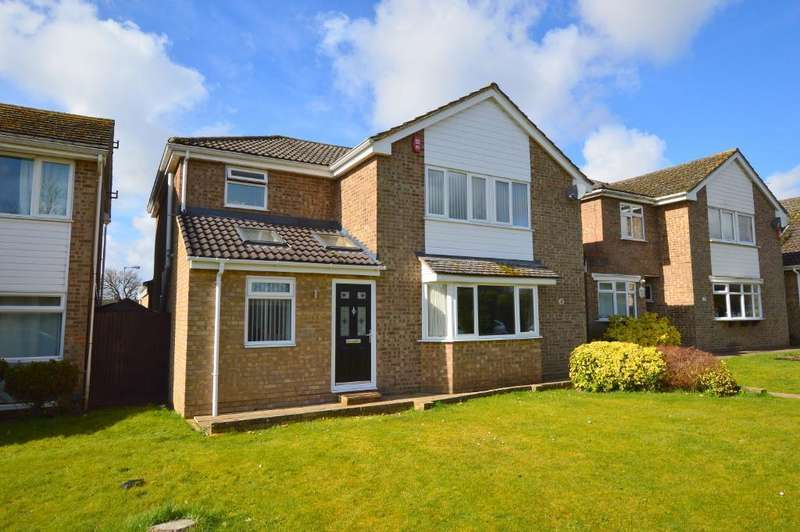 4 Bedrooms Detached House for sale in Selsey Drive, Putteridge, Luton, Bedfordshire, LU2 8HZ