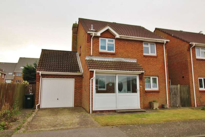 3 Bedrooms Detached House for sale in Hardy Drive, Eastbourne, BN23