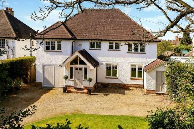 5 Bedrooms Detached House for sale in Farnham, Surrey