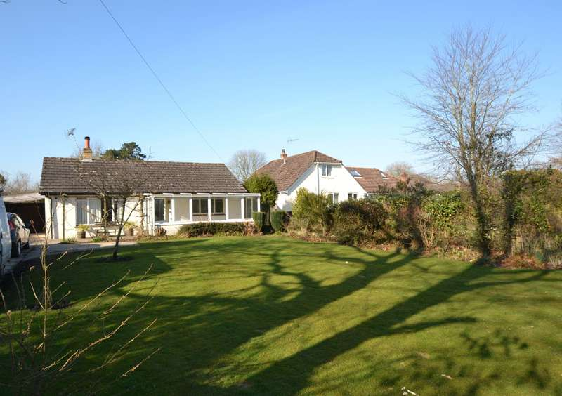 2 Bedrooms Bungalow for sale in Godshill