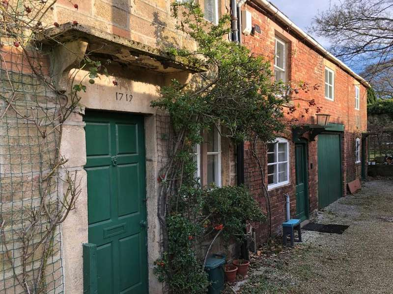 3 Bedrooms Town House for sale in St. Johns Street, Wirksworth, Matlock