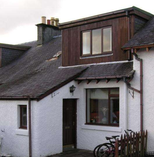 3 Bedrooms Terraced House for sale in 27/28 Inverarish Terrace, Isle of Raasay IV40
