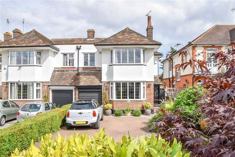 4 Bedrooms Semi Detached House for sale in Crowstone Road, Westcliff-on-sea, Essex