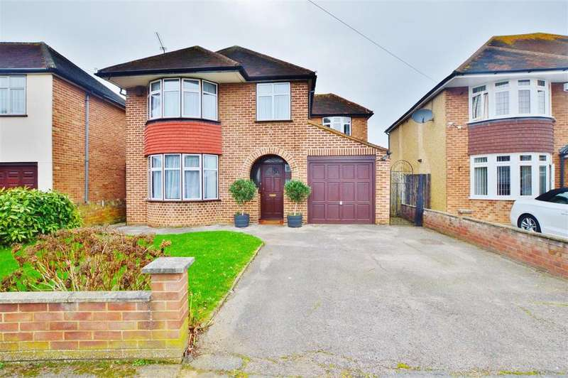4 Bedrooms Detached House for sale in Buckland Avenue, Langley