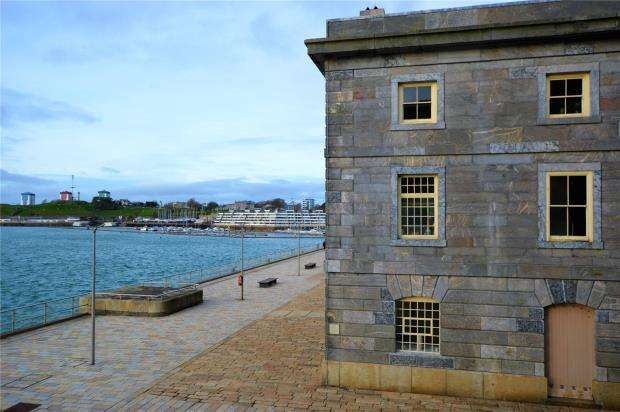 2 Bedrooms Flat for sale in Clarence House, Royal William Yard, Plymouth, Devon