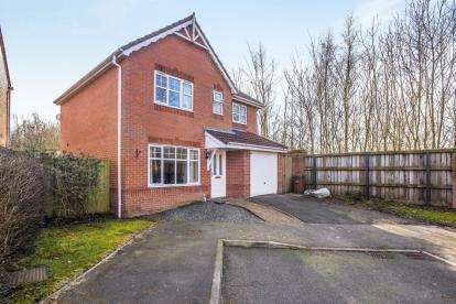 3 Bedrooms Detached House for sale in Woodlark Drive, Chorley, Lancashire, PR7