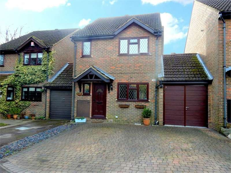 3 Bedrooms Link Detached House for sale in Horsham Road, Owlsmoor, SANDHURST, Berkshire
