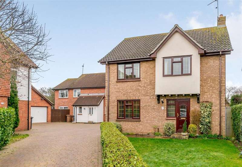4 Bedrooms Detached House for sale in Beachs Drive, Chelmsford, CM1