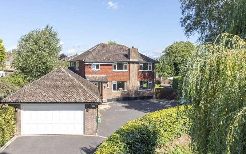 6 Bedrooms Detached House for sale in Guildford Road, Horsham, West Sussex, RH12