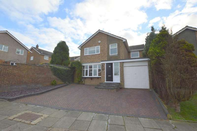 4 Bedrooms Detached House for sale in Turnpike Drive, Warden Hills, Luton, LU3 3RA