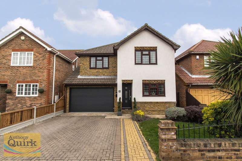 4 Bedrooms Detached House for sale in Papenburg Road, Canvey Island, SS8