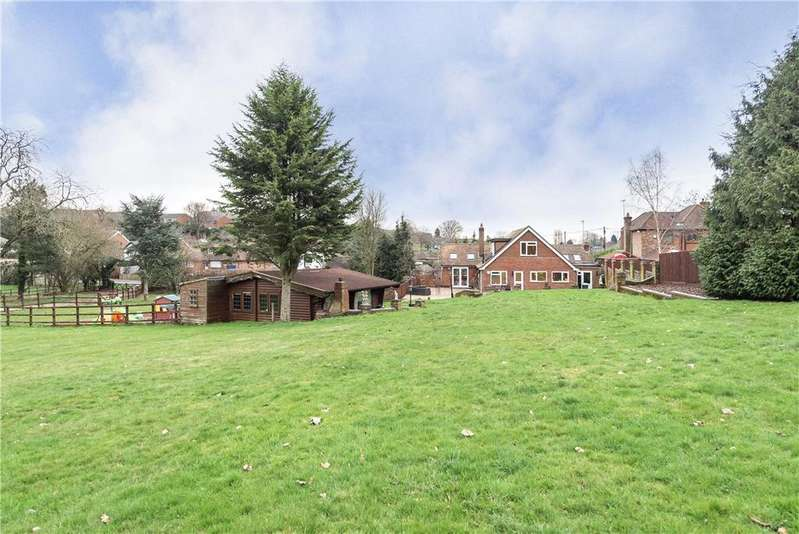 4 Bedrooms Detached House for sale in Windmill Lane, Widmer End, High Wycombe, Buckinghamshire, HP15