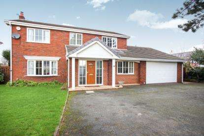 4 Bedrooms Detached House for sale in Pochard Avenue, Winsford, Cheshire