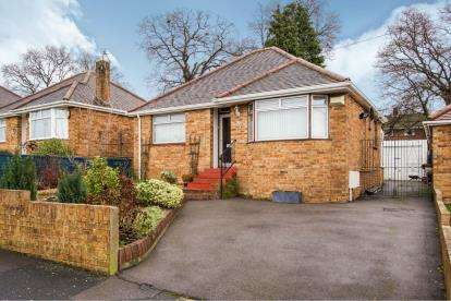 2 Bedrooms Bungalow for sale in Southampton, Hampshire, Na