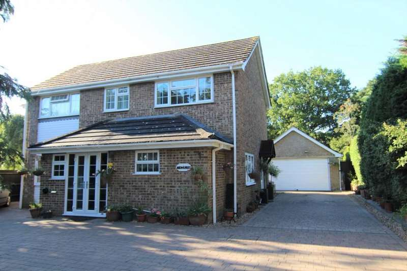 4 Bedrooms Detached House for sale in Highland Avenue, Wokingham