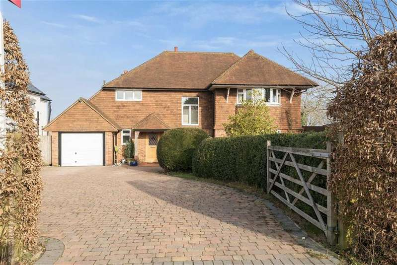 4 Bedrooms House for sale in Pewley Hill, Guildford, GU1
