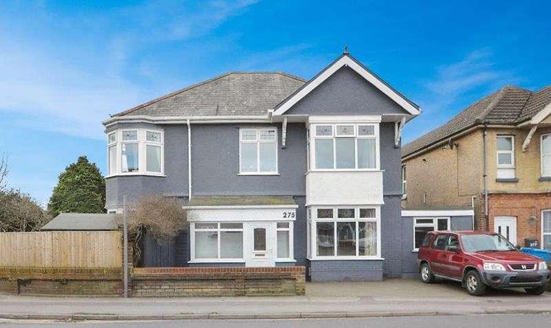4 Bedrooms Detached House for sale in Wallisdown Road, Poole