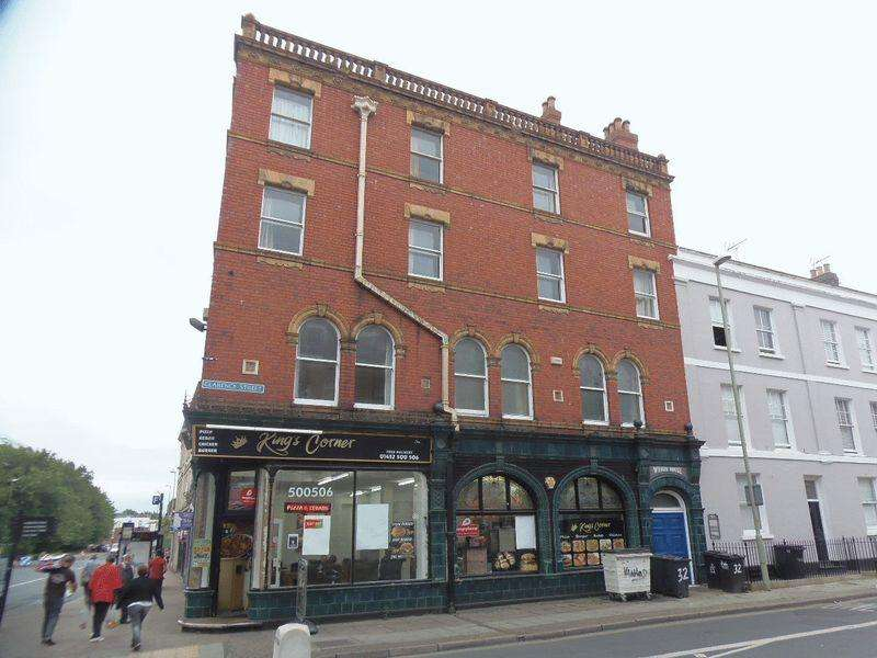 4 Bedrooms Flat for sale in Clarence Street, Gloucester