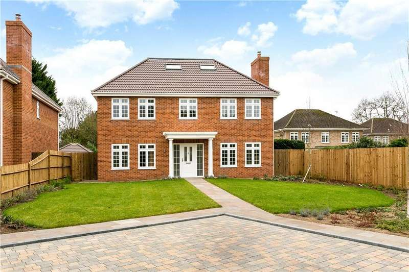 5 Bedrooms Detached House for sale in Hollycombe, Englefield Green, Surrey, TW20