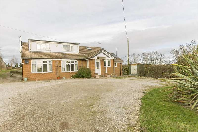 4 Bedrooms Detached Bungalow for sale in Mooracre Lane, Bolsover, Chesterfield