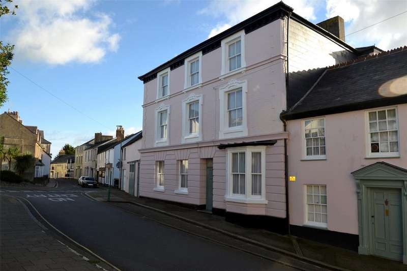 9 Bedrooms Terraced House for sale in South Street, Torrington