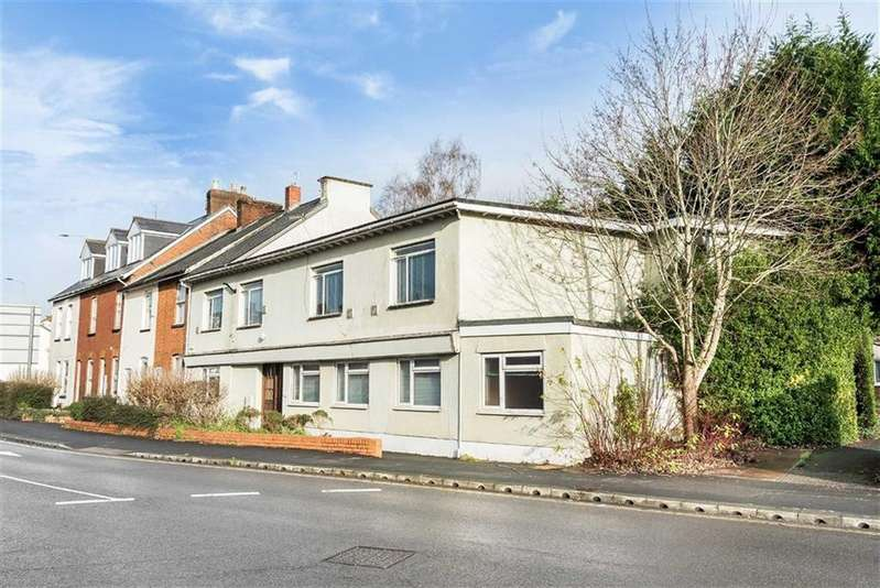5 Bedrooms Semi Detached House for sale in Westexe South, Tiverton, Devon, EX16