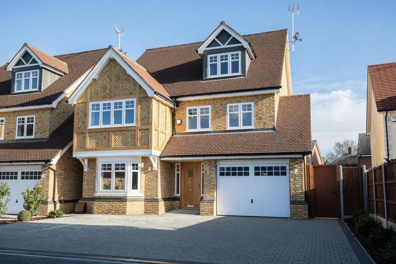 5 Bedrooms Detached House for sale in Church Mews, Church Road, Hockley, Essex, SS5