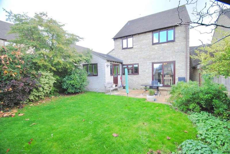 4 Bedrooms Detached House for sale in The Smithy, Cirencester