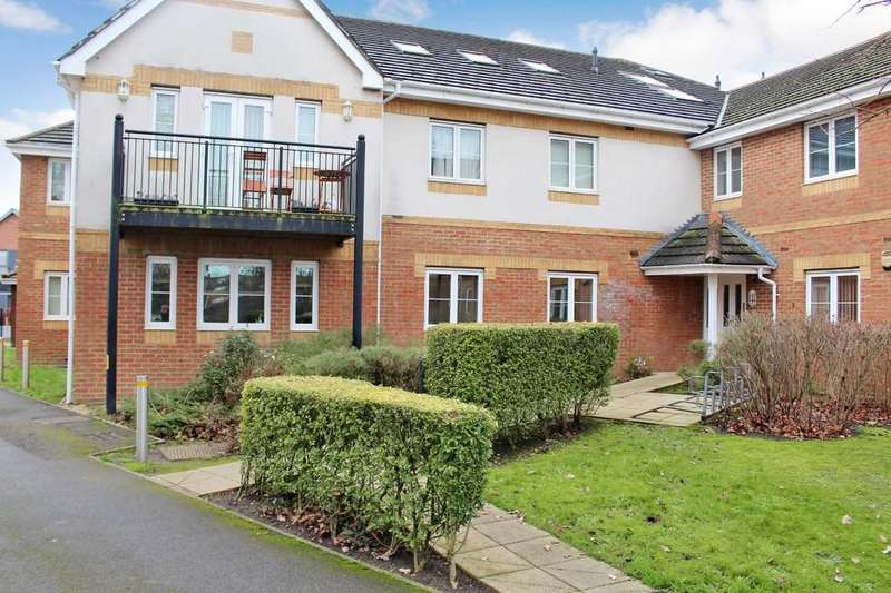 2 Bedrooms Ground Flat for sale in Salisbury Road, Totton