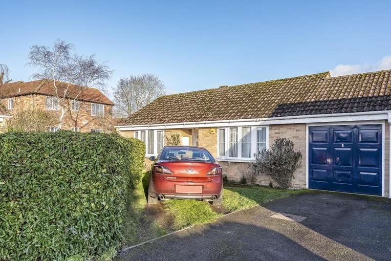 2 Bedrooms Detached Bungalow for sale in Fromont Drive, Thatcham, RG19